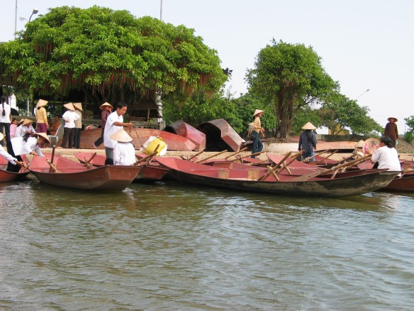 Boat launch at Bến Đục